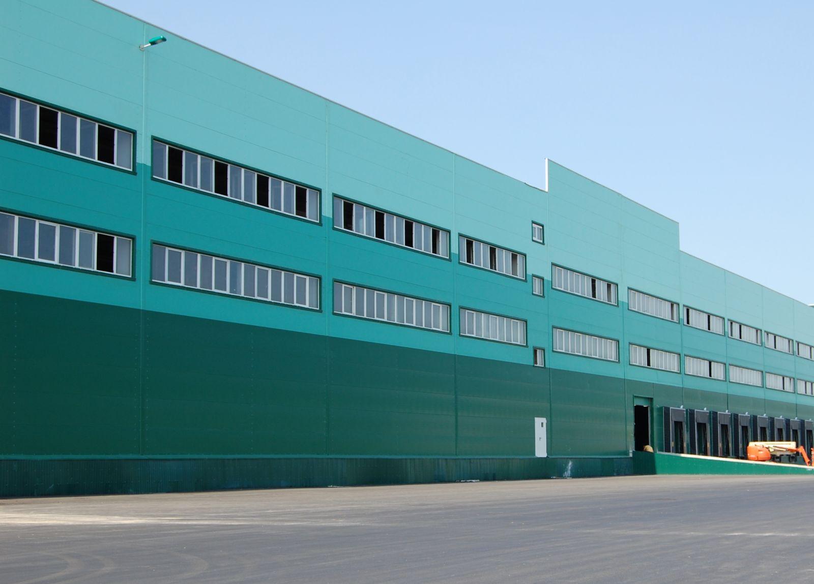 Сеть гипермаркетов Hoff арендовала в Домодедове 50 000 кв. метров складских помещений
