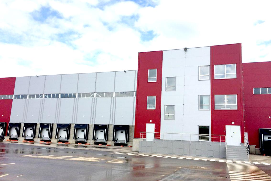 В Солнечногорском районе полностью построены два блока складского корпуса