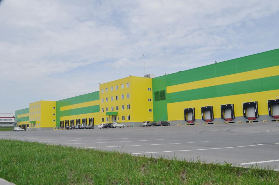 В трех российских городах построены новые склады